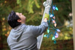 When Should You Hang Christmas Lights?
